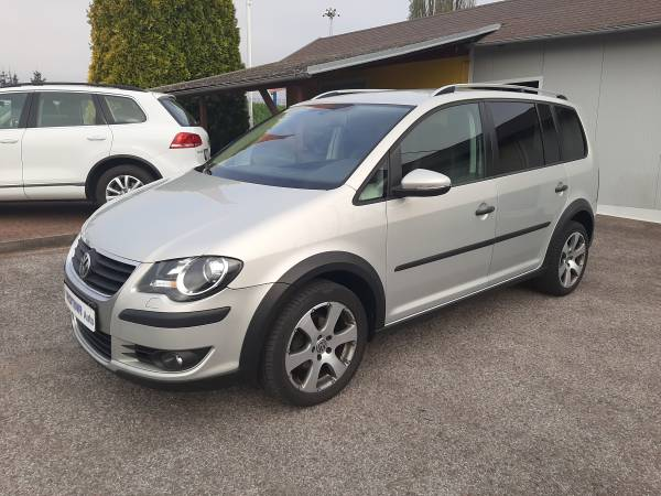 Volkswagen Touran 1.4 TSi Cross TROTINA Auto - autobazar