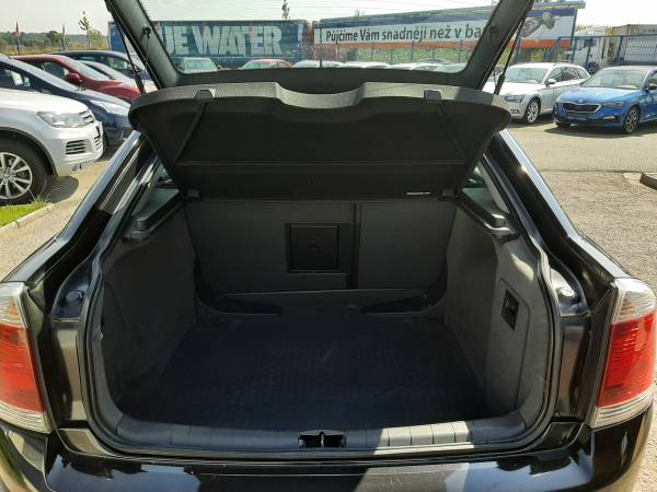 Opel Vectra 2.2i TROTINA Auto - autobazar