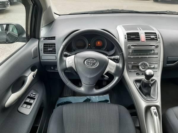 Toyota Auris 1.6 TROTINA Auto - autobazar