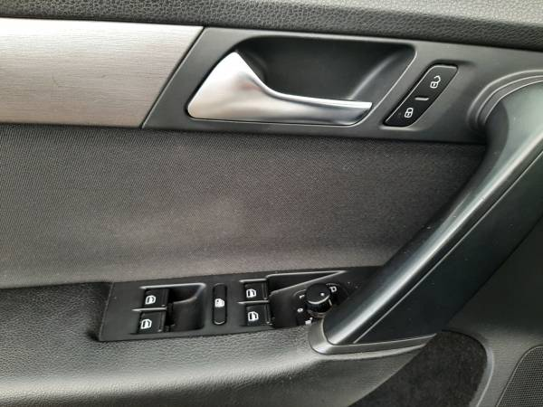 Volkswagen Passat 2.0 TDi TROTINA Auto - autobazar